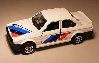 Bmw 325i 1:64 Majorette These are for sale by https://www.speelgoedenverzamelshop.nl/modelautos_en_auto_curiosa/automerk/bmw/bmw_325i_1:64_majorette_wit_969.html