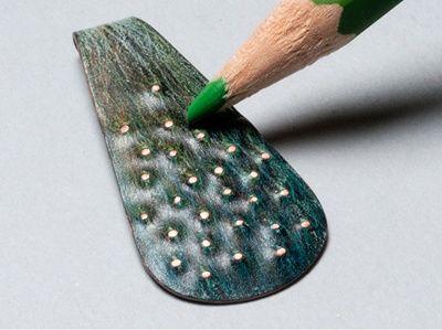 Colored pencil on metal earrings - tutorial, orecchini di rame colorati con le matite
