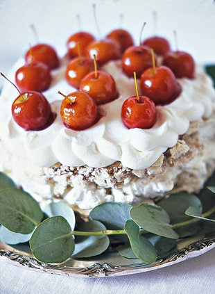 Meringue-koek met toffieappels  | SARIE | Meringue cake with toffee apple #yum