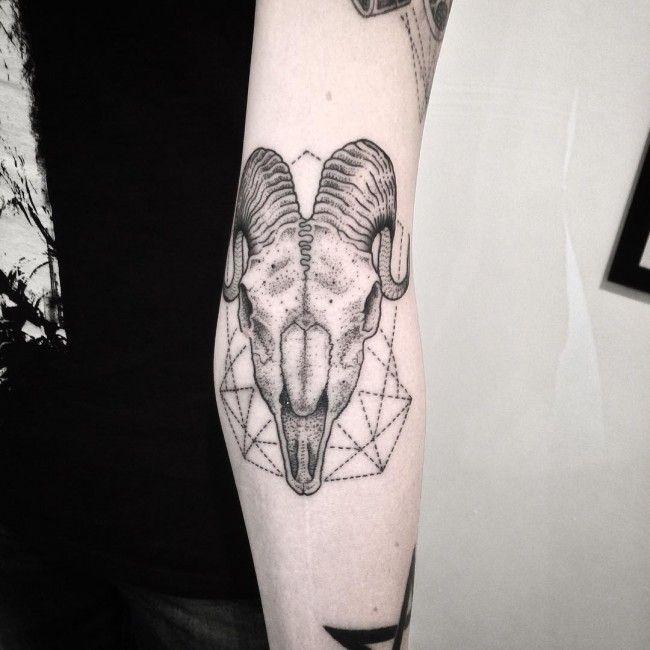 Capricorn Zodiac Tattoo Designs: 38 Best Capricorn-goat Tattoo Images On Pinterest