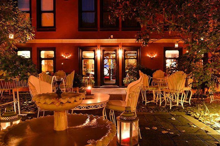 """""""Gelse bahçe bahçe mevsimler dile,  Ağaçlar, çiçekler konuşsa biraz""""  #yusufziyaortaç #bulsam  #kitapeviotel #kitapevirestaurant #bahçe #cafe #bar #hotel #bursa #turkey"""