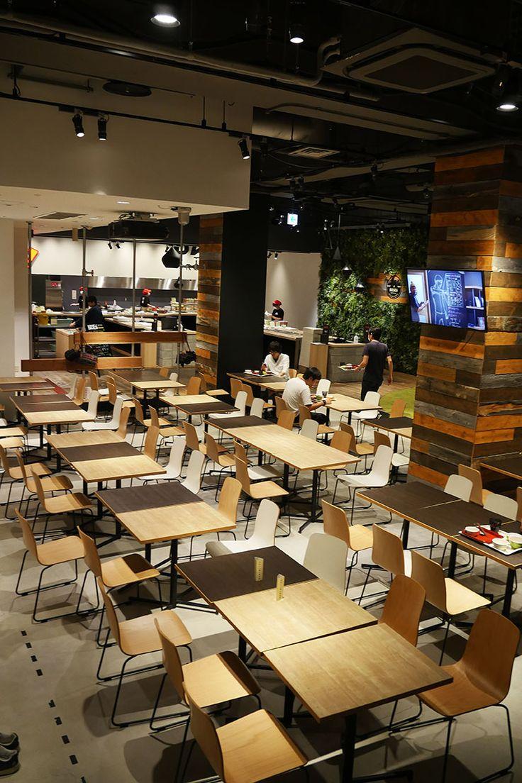 東京・六本木の東京ミッドタウンにある『Yahoo! JAPAN』のヤフー株式会社。そこには、ヤフー株式会社のために働く人達のため、社員食堂として『BASE6』が、カフェとして『CAMP10』『CAMP15』が運営されています。 カフェとして運営されている『CAMP10』と『CAMP15』には、従業員もしくは社員(正社員、契約社員含む)の方しか入ることができないので、取材でもないかぎり入ることはできません。どうしても入りたい人は『Yahoo! JAPAN』に入社しましょう!(笑)。 しかし『BASE...