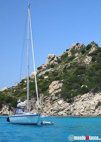 La #baia #smeraldo dell'Isola di #Spargi nell'arcipelago della #Maddalena - #Sardegna
