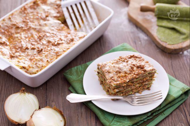 Le lasagne verdi con ragù alla bolognese sono un classico della cucina italiana. Una preparazione di lasagne che metterà d'accordo grandi e piccini.