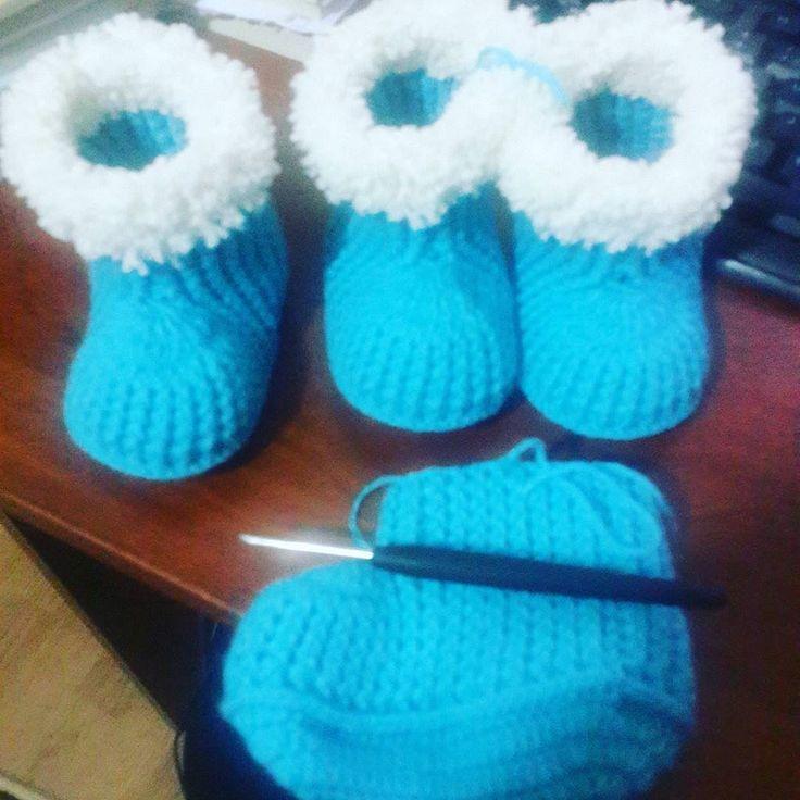 Gün boyu gezersem gece mesaisi yapmak gerekir... #örgü#örgüsever#çeyiz#crochet#crocheter#vintage#patcwork#battaniye#yatakörtüsu##blanket#sevgidolu#sevgiyleörüldü#hatıra#nostalji#decorative#tıgişi#elişi#elemegi #göznuru #handmade#instalike #crochetofinstagram #instamood #instacrochet #lovely#crochetoftheday #crocheter by yumosyumosbattaniyeler