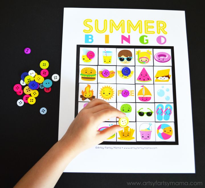 Free Printable Summer Bingo at artsyfartsymama.com