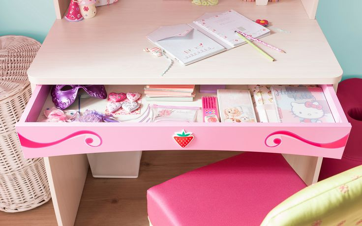 #Princess #pembe #dekorasyon #pinkroom #decoration #cocukodasi #oda #room #pembeoda #calismamasasi #studyroom