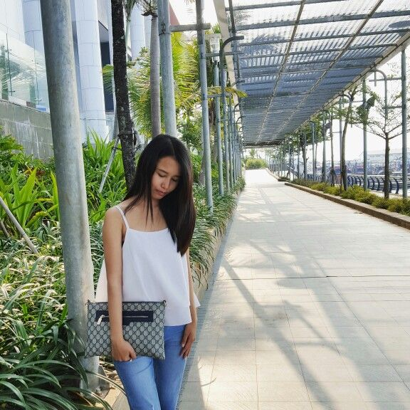 Casual style with basic top - ootd styles