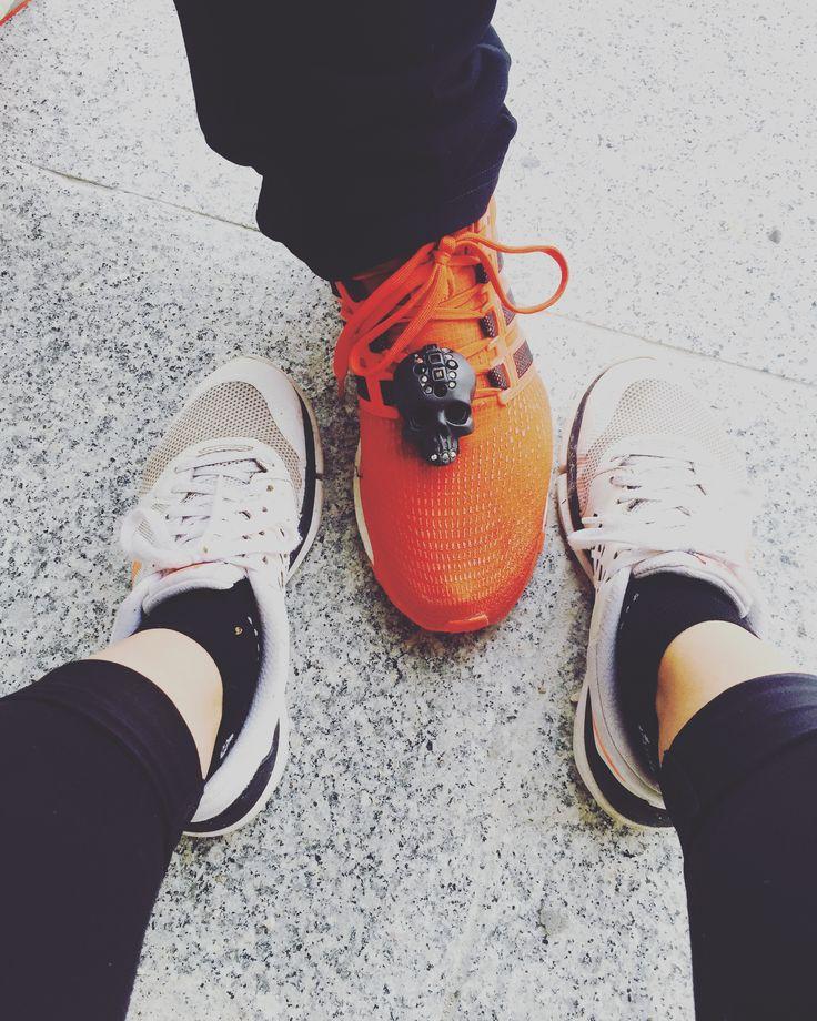 TRIPPLE X - when your #boyfriend takes your #bug 🔥🖤💀 #baumond #sneakers #sneakerbug #accessoires #mensfashion #streetstyle #adidas #nike #sportswear #justdoit #outdoor #justforfun #hiking #fashionblogger #naturelover #styleinspiration #followus #freeshippingworldwide
