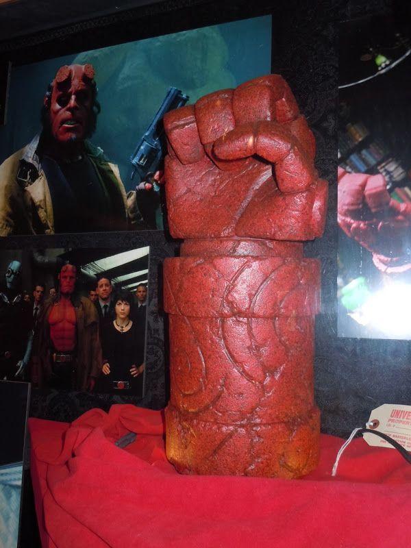 Hellboy red right hand of doom