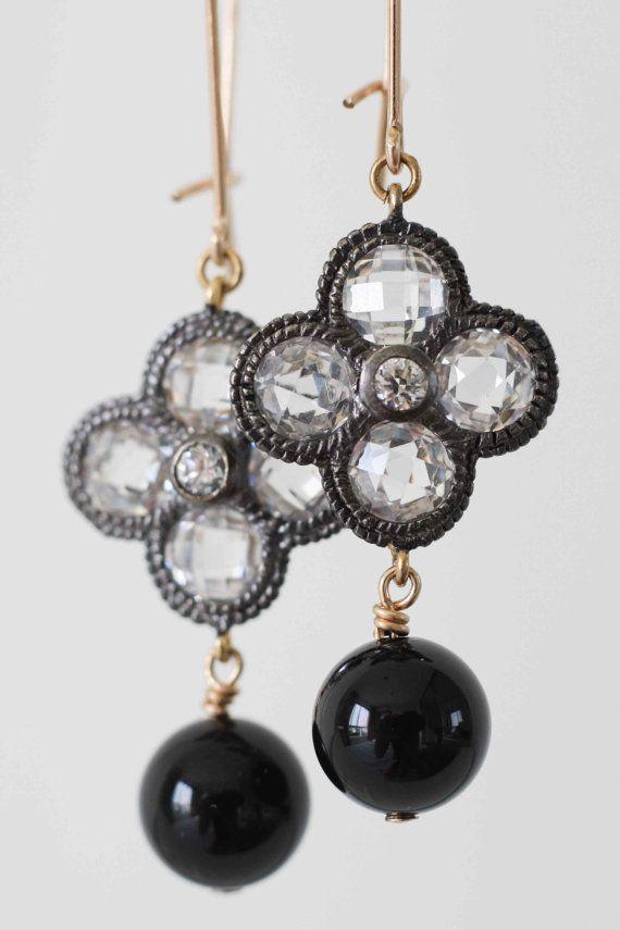 Onyx and white topaz earrings Alhambra motif by moemiSugimura