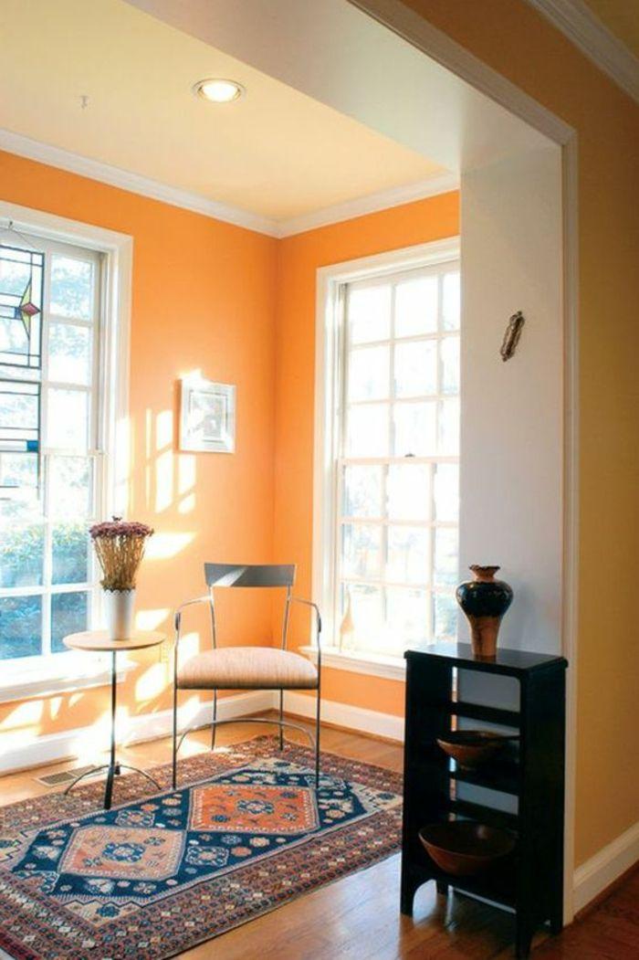 wandfarbe ideen orange wände hellgelbe zimmerdecke teppichmuster