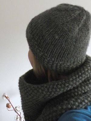 Quick thick yarn hat & cowl