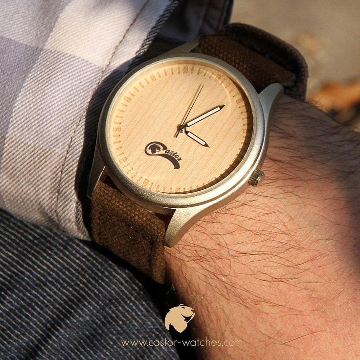 Nuestro #reloj CASTOR Dual Bamboo combina un dial de madera con carcaza de acero. Rústico y elegante. Para uso casual y en la oficina . Despacho gratis en todo Chile . Worldwide shipping  . Consíguelo en nuestro sitio web http://ift.tt/1RZA1G6 . #castorwatches #chile #relojes #relojesdemadera #accesorios #woodenwatch #watch #bamboowatch #watches #montre #montres