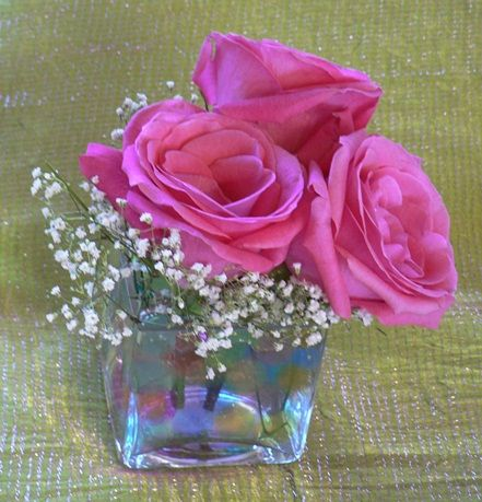 Pink Roses Amp Babies Breath Small Small Centerpieces Hot Pink Roses And Spider Mums
