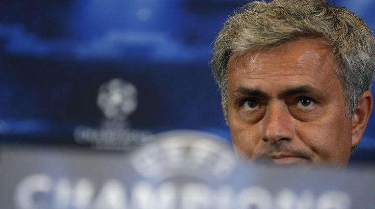 El entrenador del Chelsea ha sido parco en palabras en su regreso a Madrid y se ha negado a contestar en castellano.