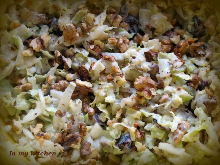 In my kitchen: Surówka z kapusty pekińskiej z ananasem, orzechami i żurawiną