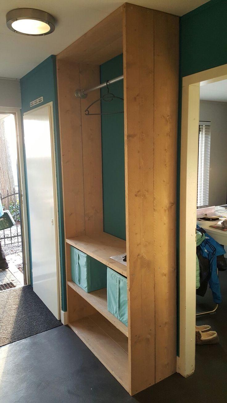 17 beste idee n over garderobe kast op pinterest bouwen van een kast het bouwen van een kast - Kast uur pm ...
