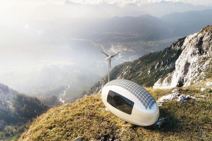 Com cerca de 11 metros quadrados, a cápsula tem painéis solares e uma turbina de vento para carregar a bateria da casa