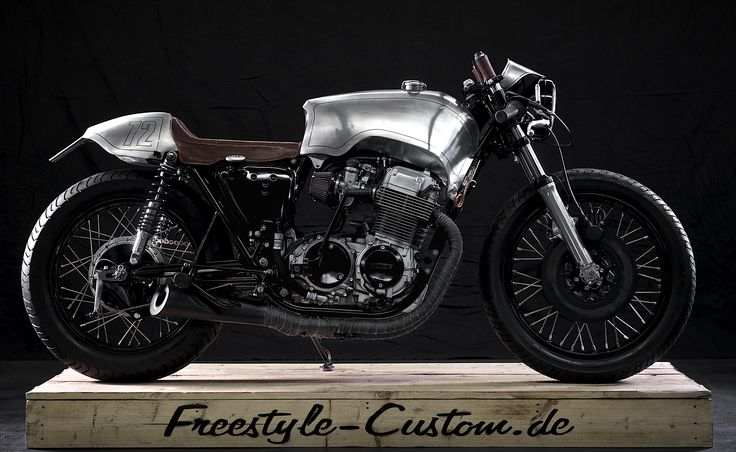 Honda four 1974. Handmade by Freestyle Custom. Designed and manufactured in Germany. cafe racer - aluminium - leather - gas tank - motorcycle aluminium - individual - custom motorcycles - metal - copper - wheels - oldschool - engraving - pinstripe