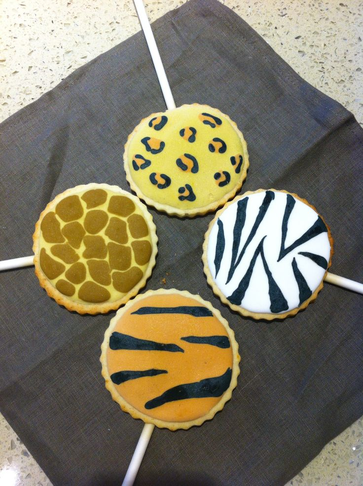 Assorted animal print cookie pops