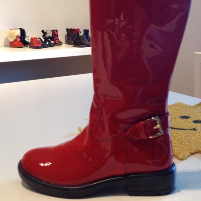 Stivali Moschino rossi