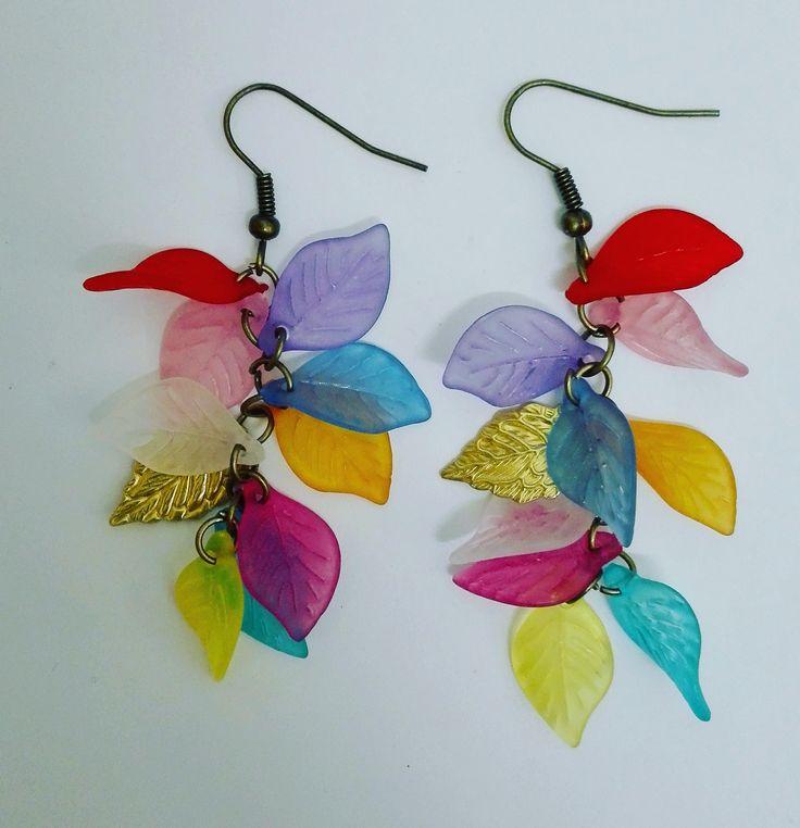 Boucles d'oreilles grappe feuilles multi couleur de la boutique DeessesEtNymphes sur Etsy