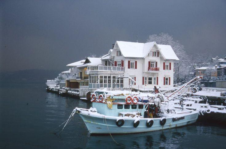 snowy day on the Bosphorus - Istanbul Yenikoy