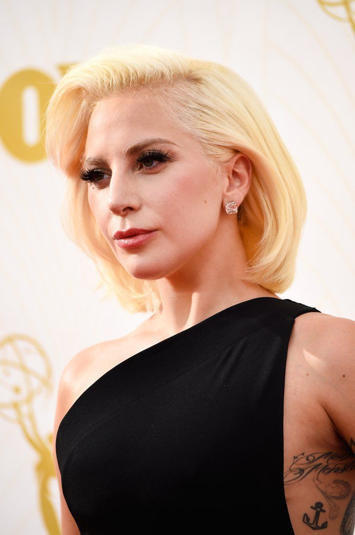 Pin for Later: Zoom Sur Tous les Beauty Looks des Emmy Awards Lady Gaga