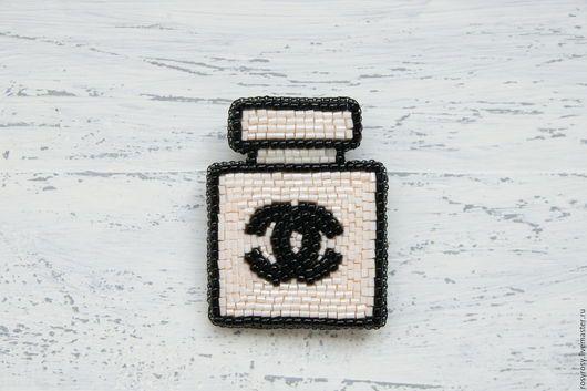 Броши ручной работы. Ярмарка Мастеров - ручная работа. Купить Брошь-Духи Брошка из бисера 'Favourite Perfume'. Handmade.