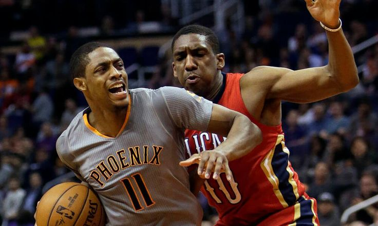 Suns guard Brandon Knight likely to miss 2017-18 season = Tuesday afternoon the Phoenix Suns announced that guard Brandon Knight suffered a torn ACL in his left knee while playing basketball in his native south Florida last week. A concrete timeline was not given by.....