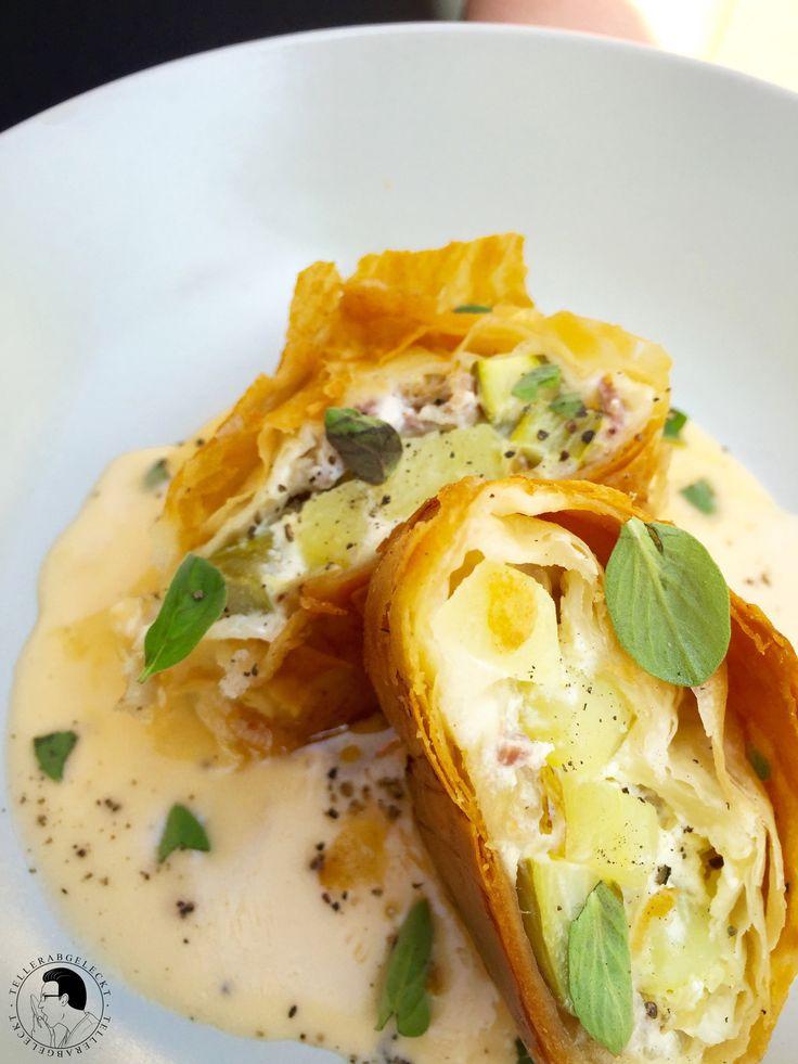 Ein herzhafter Kartoffel-Spargel-Strudel, der perfekt in die Saison passt und kinderleicht zuzubereiten ist. Ein tolles Sommer-Gericht.