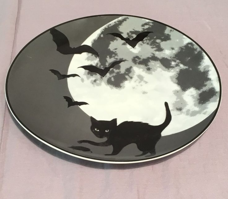 Williams-Sonoma Halloween Moon Plates Set/4 #WilliamsSonoma (want!)