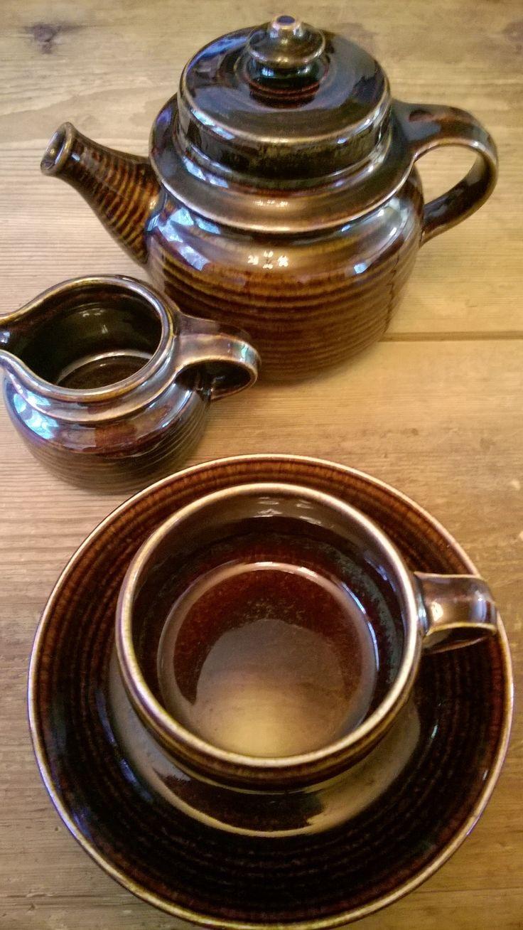 Arabia Mahonki teepannu,kermanekka,kahvikuppi