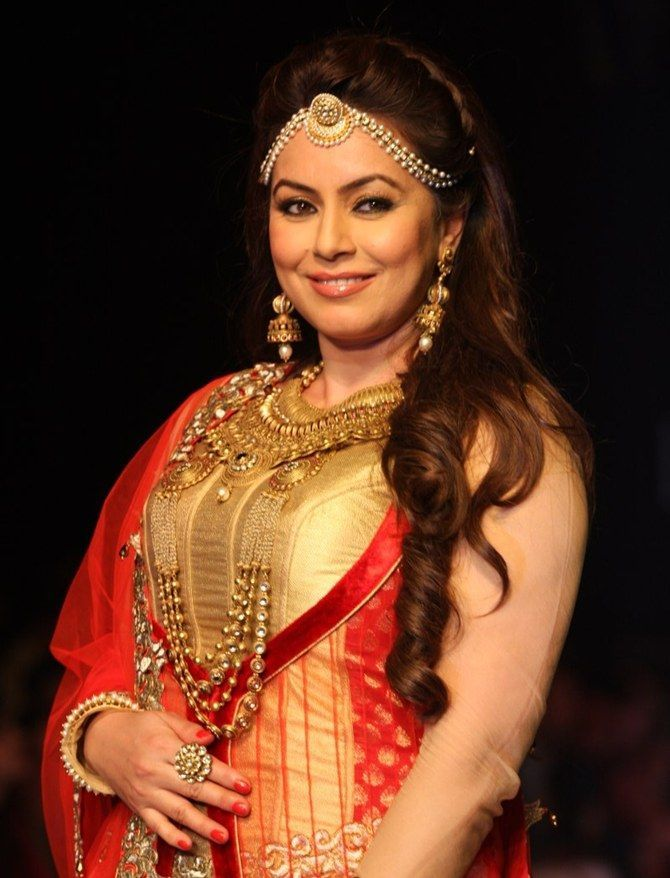Mahima Chaudhry :A smashing Indian actress and a former model of Nepali - September 13, 1973
