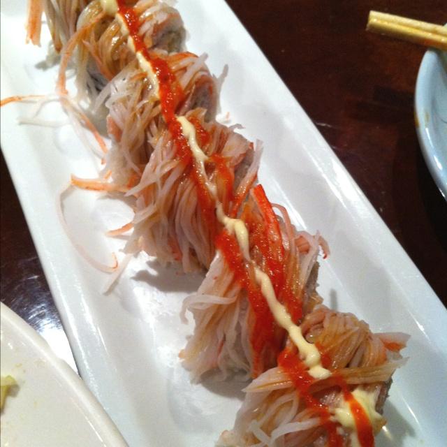 Blue fish sushi sundae roll several dallas area for Blue fish sushi