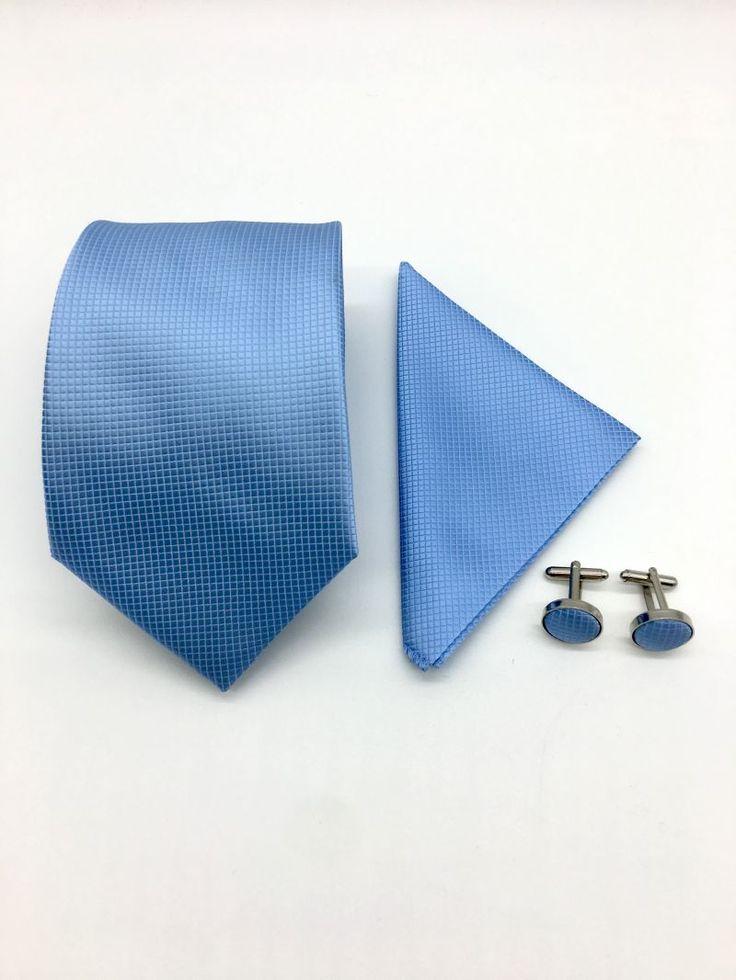 Daca ai ochi albastri, iti place marea sau te-ai nascut intr-o zi senina de vara, cu siguranta vei fi incantat sa porti accesorii de culoare albastra, cum sunt cele din setul cravata, batista si butoni camasa la cele mai importante ocazii din viata ta.   Aceste...
