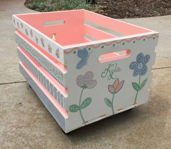 Pin By Toni On Caixotes In 2020 Crate Bookcase Crate Storage Toy Boxes