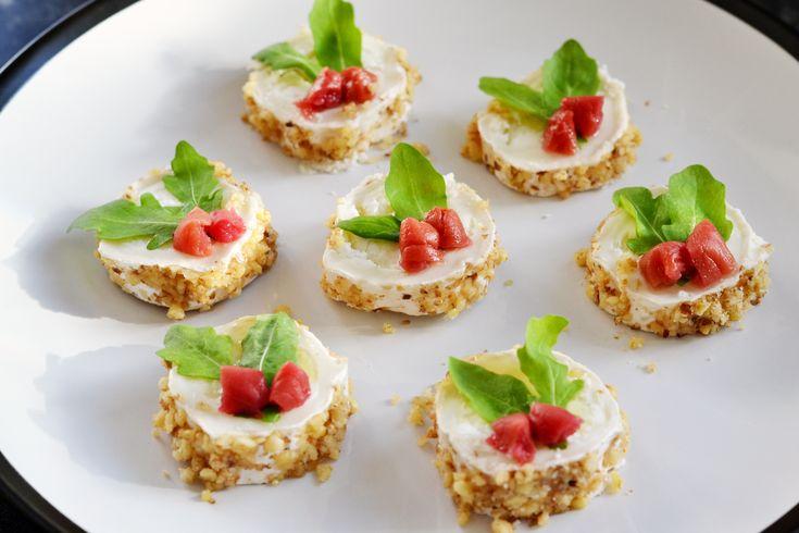 Zoodles mit Gorgonzola und Pinienkernen  Rezept  LOW