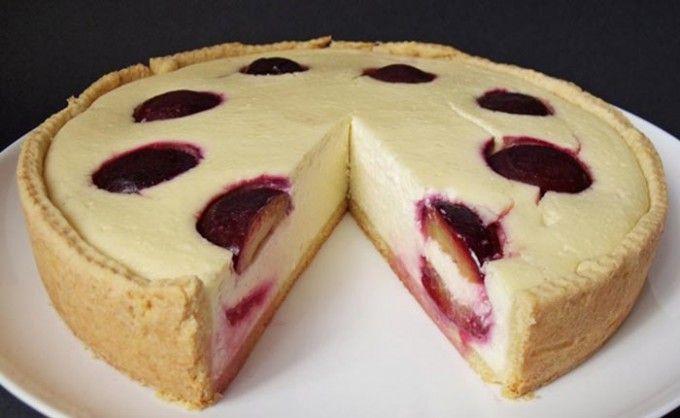 Pečený cheesecake se švestkami | NejRecept.cz
