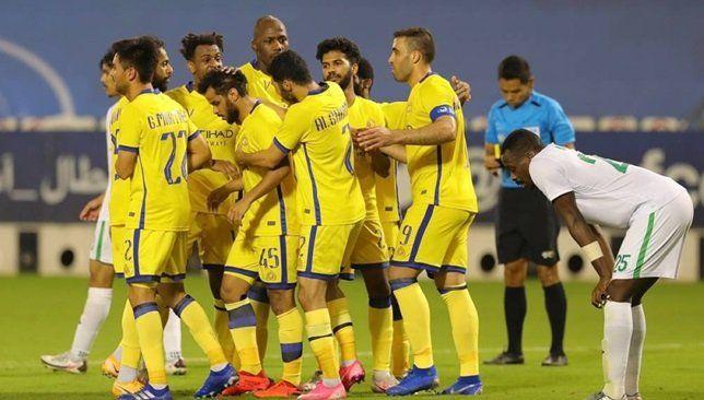 نجوم النصر يخضعون لـ مسحة كورونا جديدة قبل مباراة الشباب Soccer Soccer Field Football