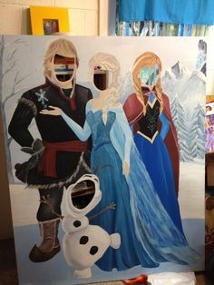 que perfeito! Frozen photo booth I painted for the kids frozen party