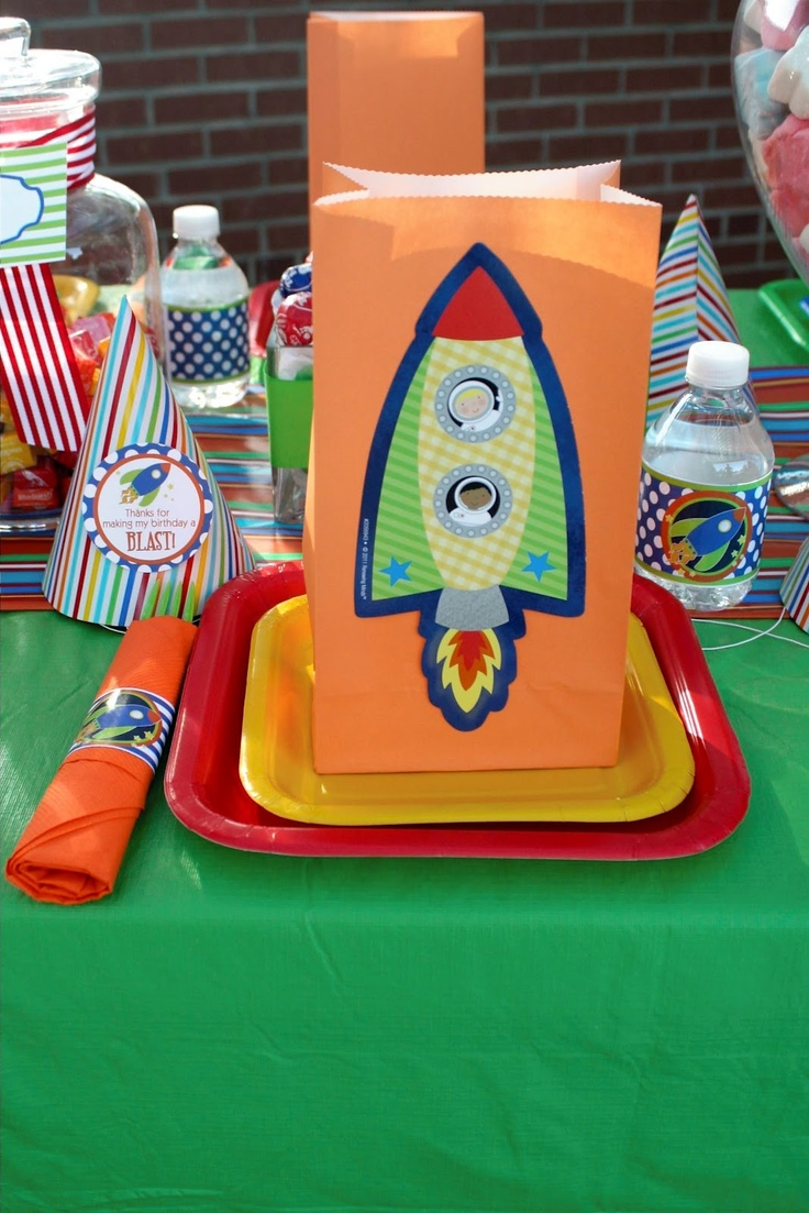 Rocket Party Place Settings With Cute Treat Names