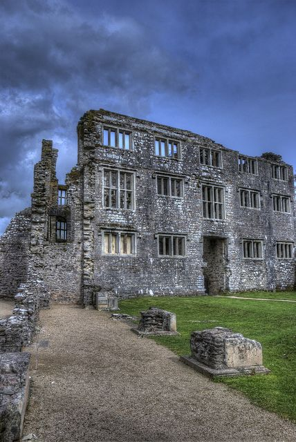 BERRY POMEROY CASTLE RUINS - DEVON, ENGLAND.  ONE OF THE MOST HAUNTED RUINS EVER.