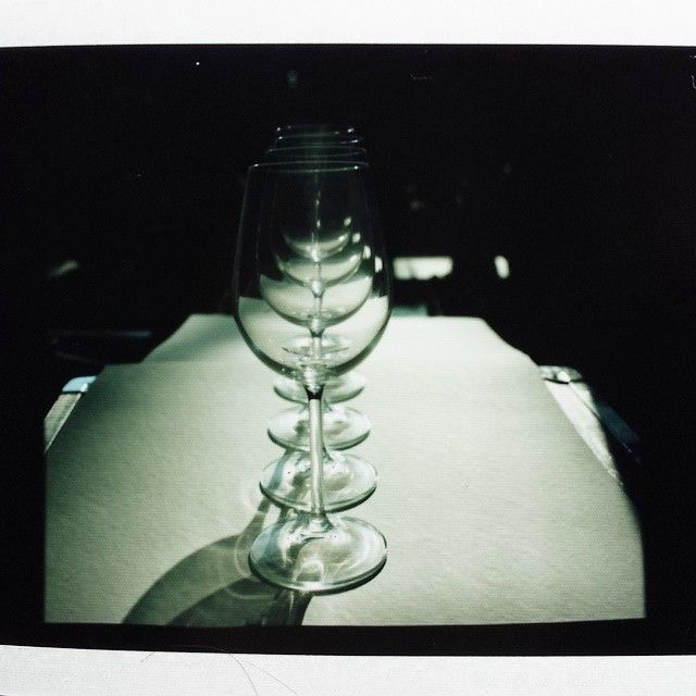 Testbild Polaroid Bin Mal Gespannt Wie Das 6x7 S W Negativ Geworden Ist In 2020 Glass Hookah Light Bulb