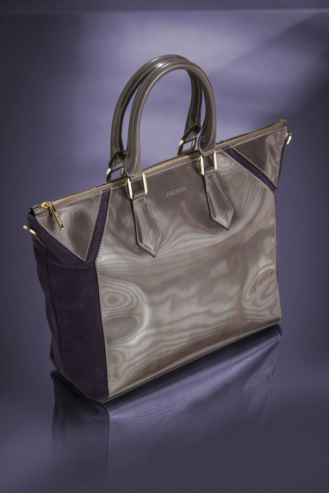 #purple suede with #grey shiny leather... a #perfect combination for your daily outfits in the #city! http://shop.arcadiabags.it/product/borsa-grande-a-mano/grigio/628