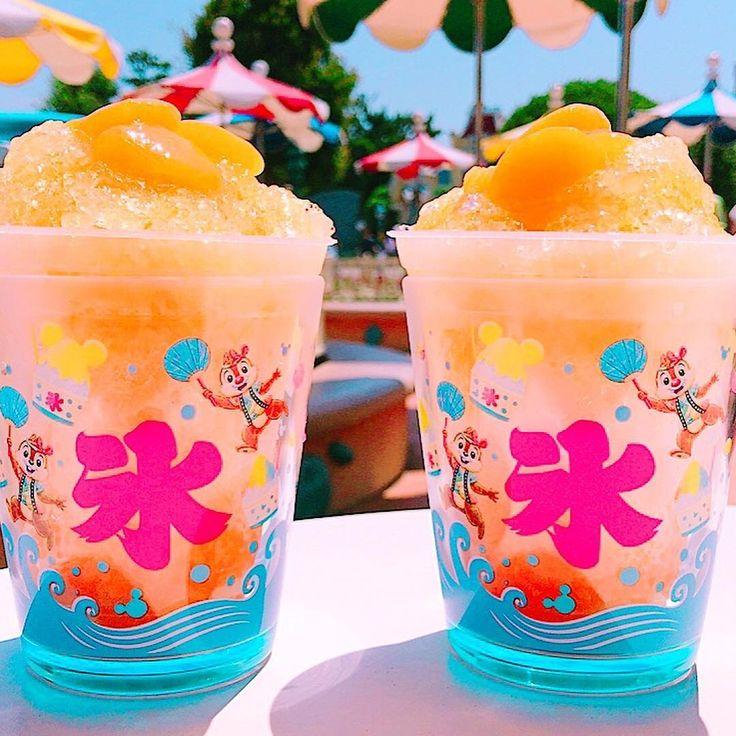 Shaved Ice = Summer キーーーーン!! (Photo:@katoharu.0916)  #shavedice #chipanddale  #disneynatsumatsuri #tokyodisneyland  #カキ氷 #みかん #シェイブアイス #チップとデール #ディズニー夏祭り #東京ディズニーランド #東京ディズニーリゾート  これからもゲストのみなさんの写真をご紹介します。#tokyodisneyresort などをつけて投稿してくださいね。 詳しくは公式ブログでご案内しています。 http://www.tokyodisneyresort.jp/blog/151005/