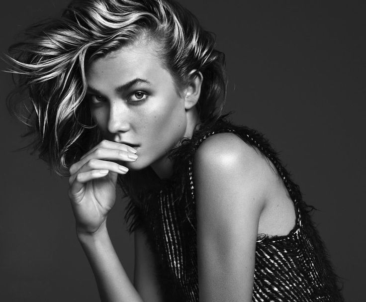 """Karlie Kloss  Born in Chicago, Illinois. She is the daughter of Tracy (née Fares), a freelance director, and Kurt Kloss, an emergency physician. She has three sisters, Kristine, and twins Kimberly and Kariann. She moved to St. Louis, with her family, in 1994. Kloss was """"discovered at a local benefit runway show"""". She attended Webster Groves High School in Webster Groves, Missouri."""