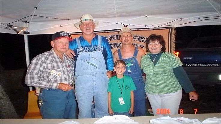 Big Tom from Survivor Africa paid a visit to the 2004 Moonshiner's Jamboree. Pictured with Tom are Tim's dad, Tim, Tom's wife- Sandy, and J.T.. in Climax, Va.