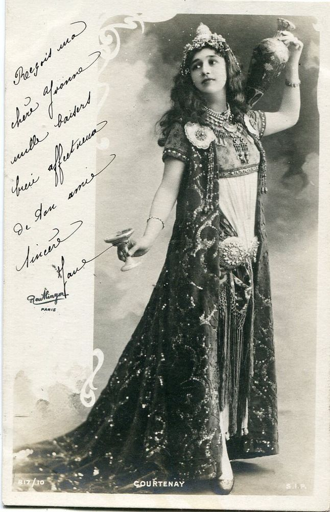 Vera Courtenay | Vintage French RPPC postcard - Actress miss Courtenay - Reutlinger N823
